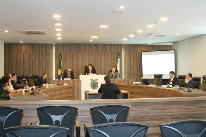 CPI da Indústria do Atestado Médico ouve presidente da Associação Médica Brasileira