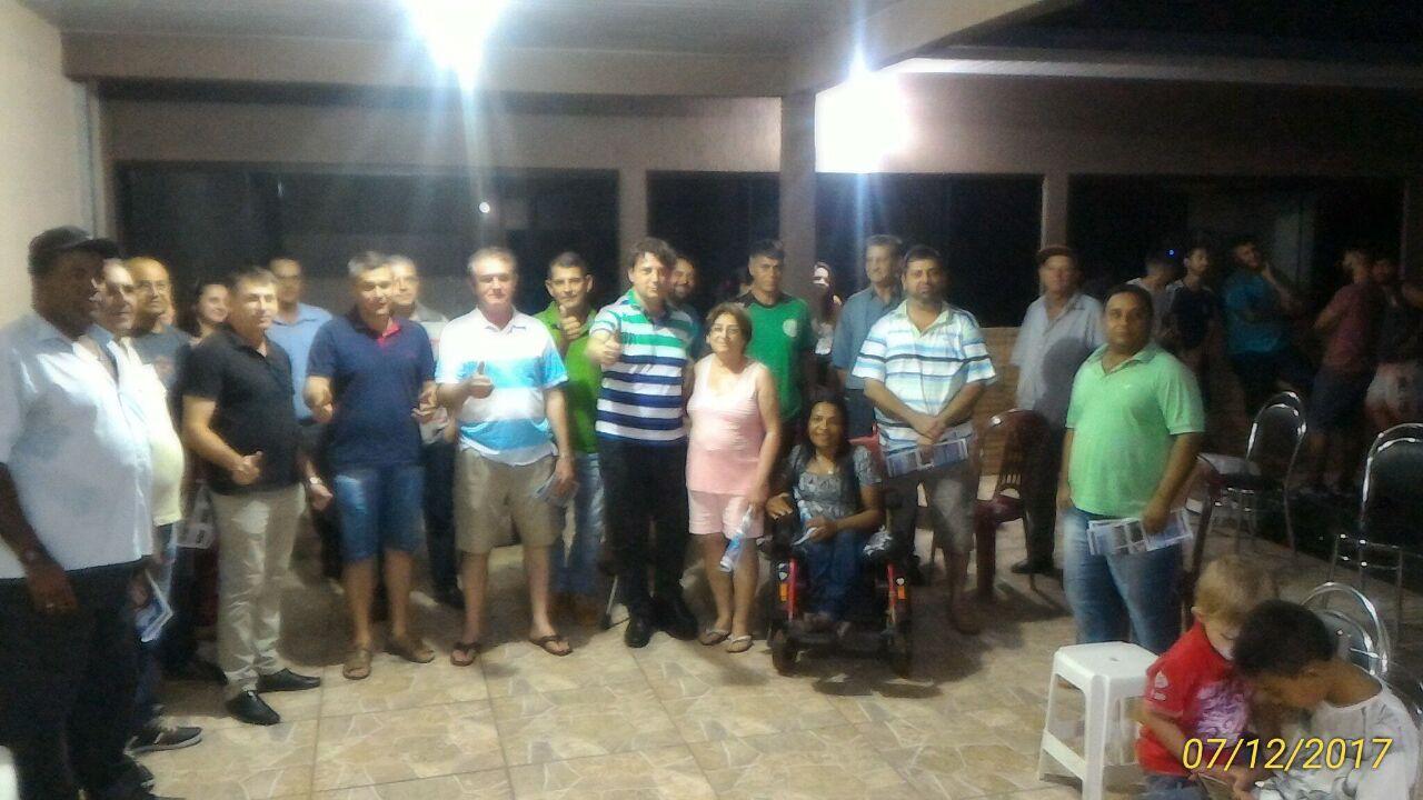 Reunião em Godoy Moreira.