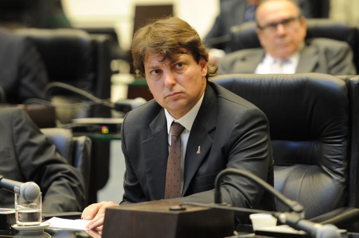 Anibelli Neto lidera bancada da oposição em defesa das famílias paranaenses que utilizam serviços da SANEPAR.