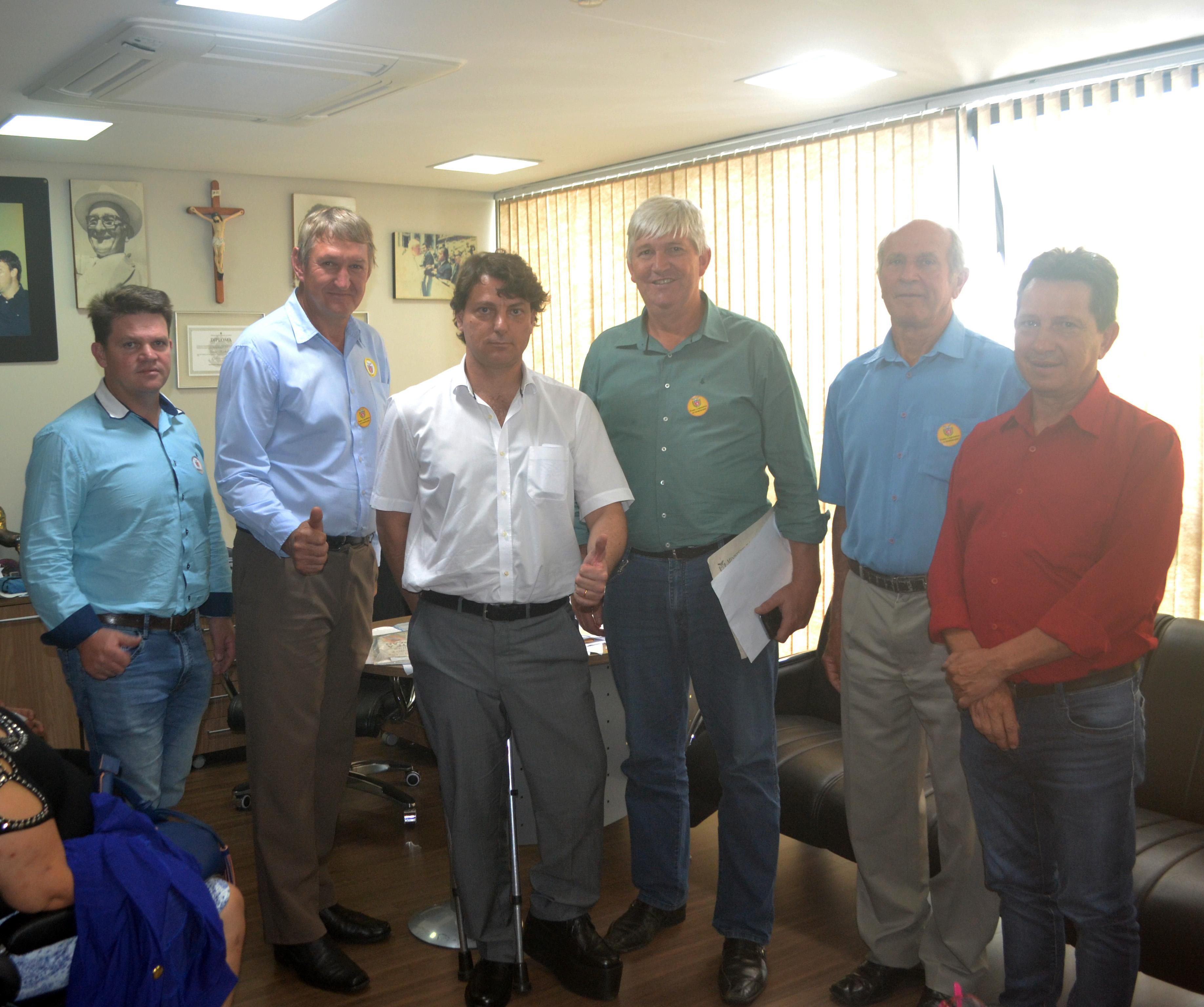 Anibelli Neto recebe amigos de Porto Vitória.