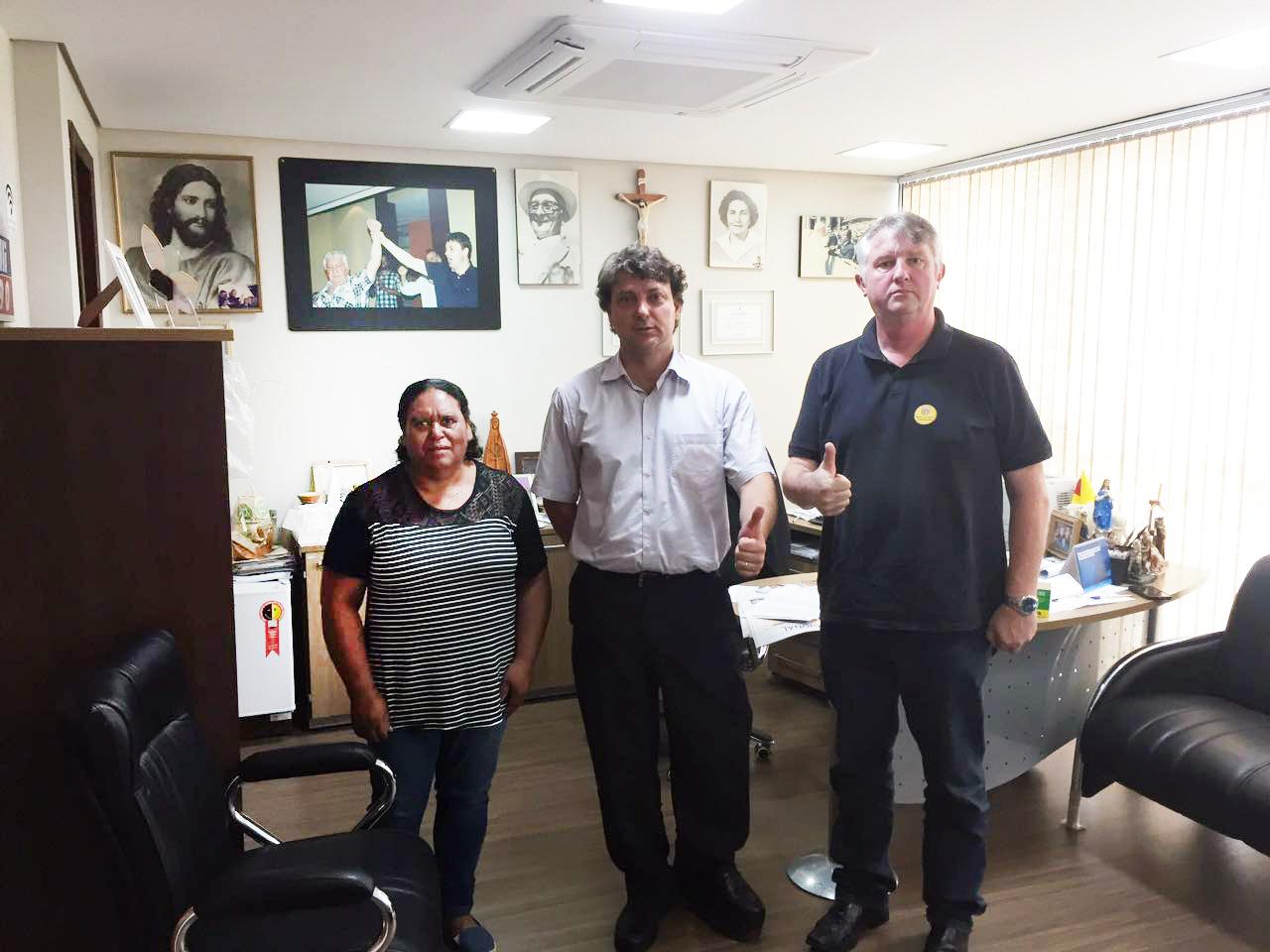 Vereador Drº Douglas do MDB de Agudos do Sul visita deputado Anibelli Neto.