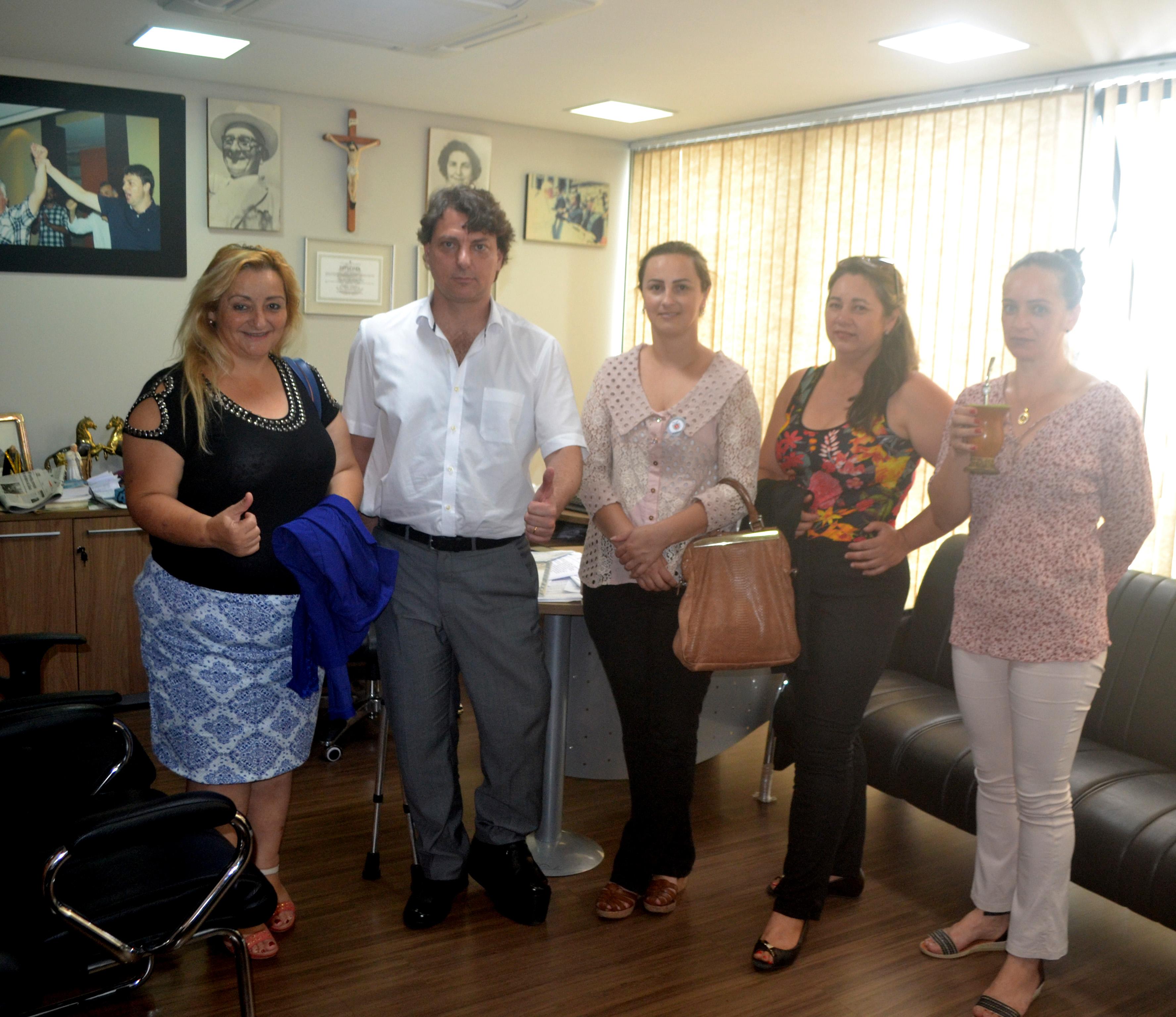 Anibelli recebe Prefeita Luciane e a presidente da APAE de Agudos do Sul