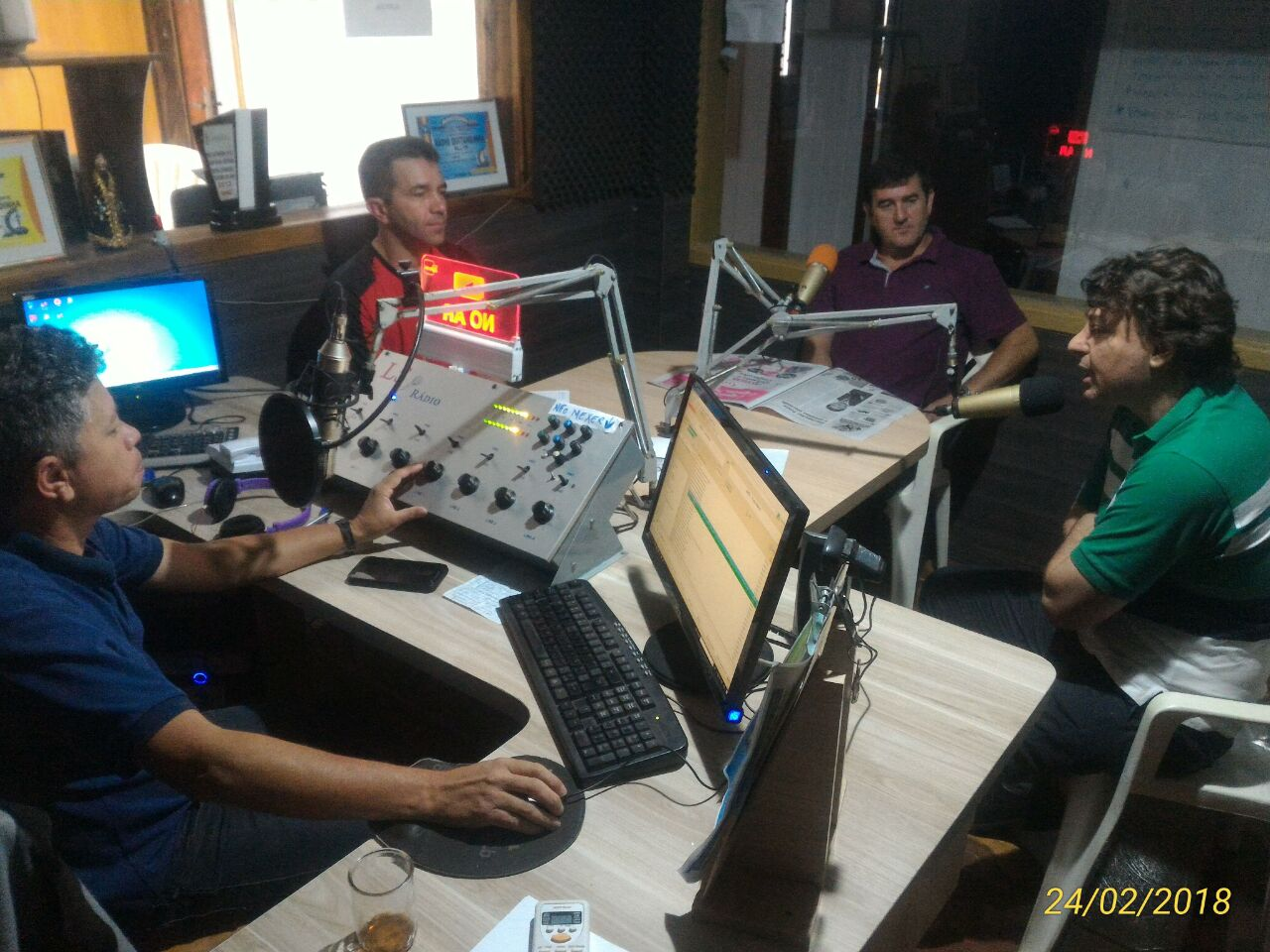 Visita a Rádio FM 98,3 de Quitandinha.