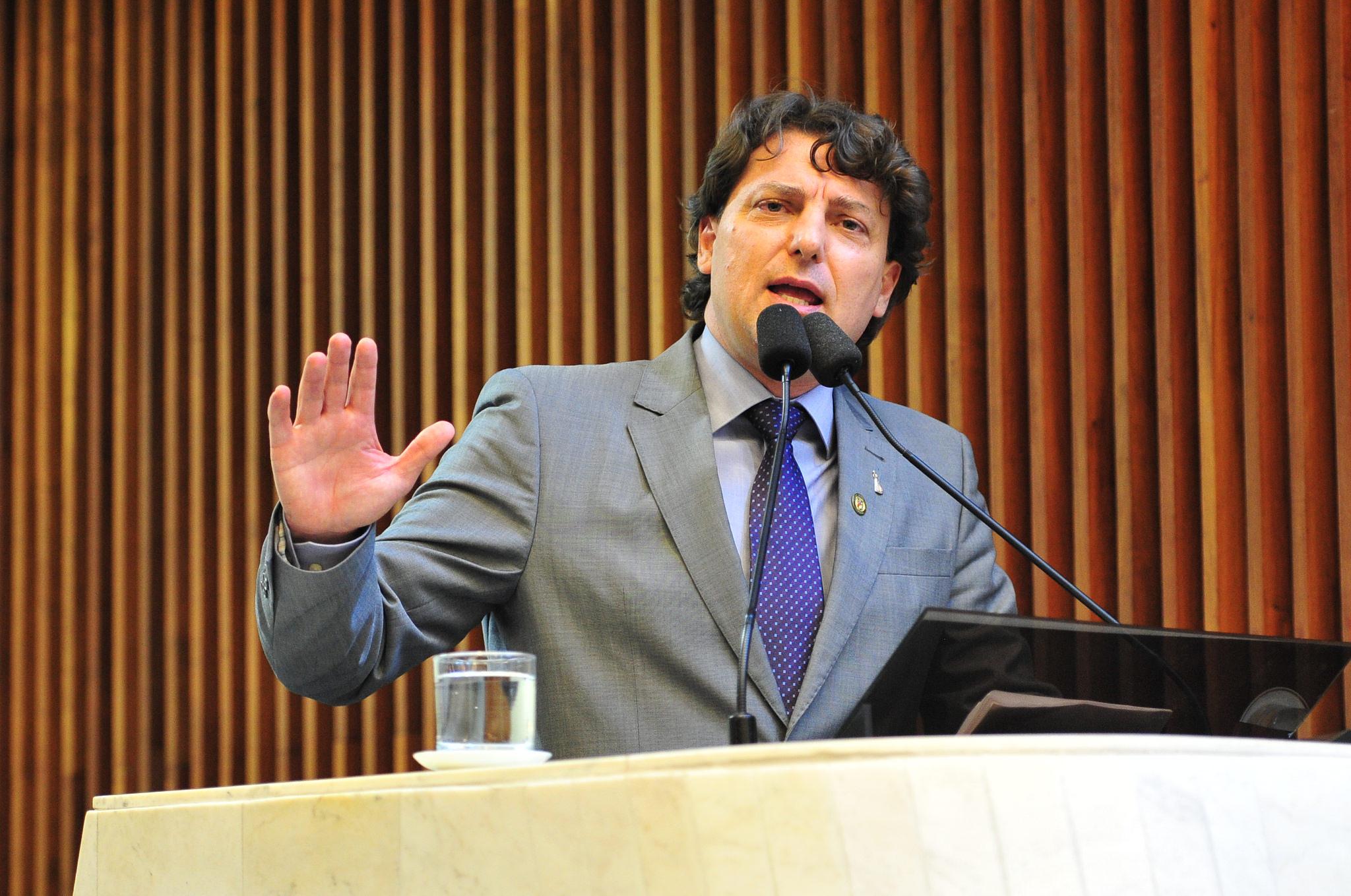 Anibelli exige mais segurança para caminhoneiros em Paranaguá