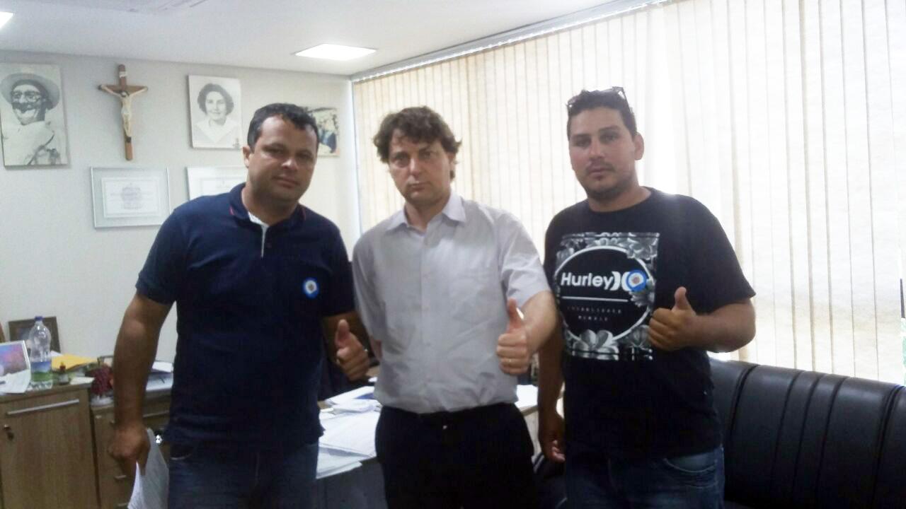 Anibelli Neto recebe companheiros de Guaraqueçaba.