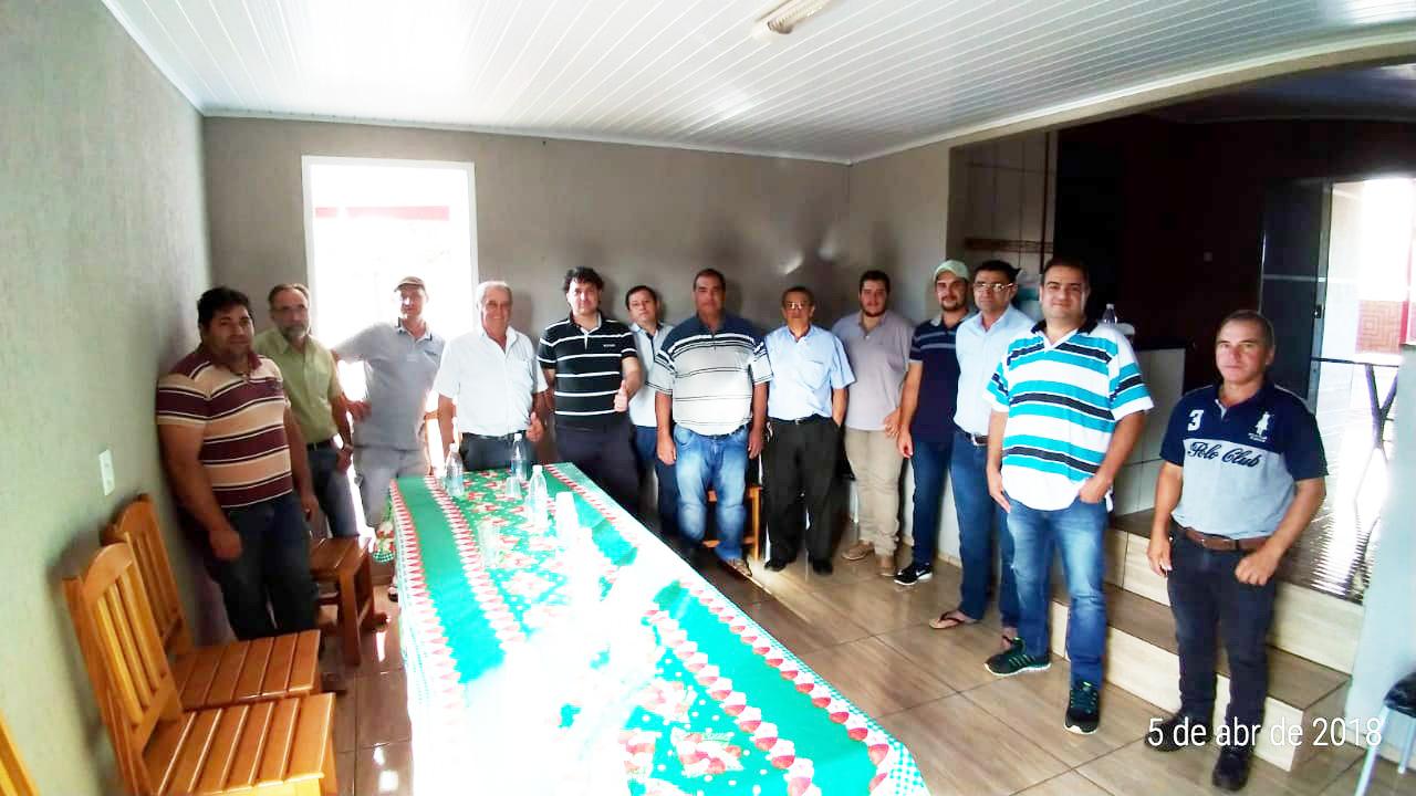 Anibelli Neto se reúne com lideranças de Campina do Simão.