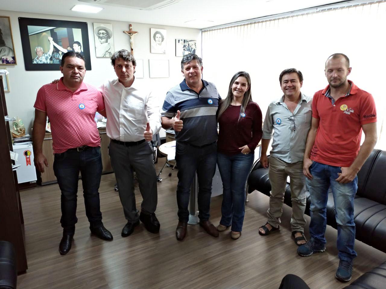 Lideranças do município de Doutor Ulysses visitaram deputado Anibelli Neto.
