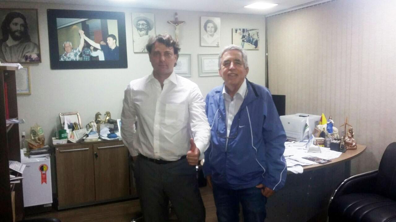 Deputado Anibelli Neto recebeu seu amigo Milton Muzulon de São Jorge do Ivaí.