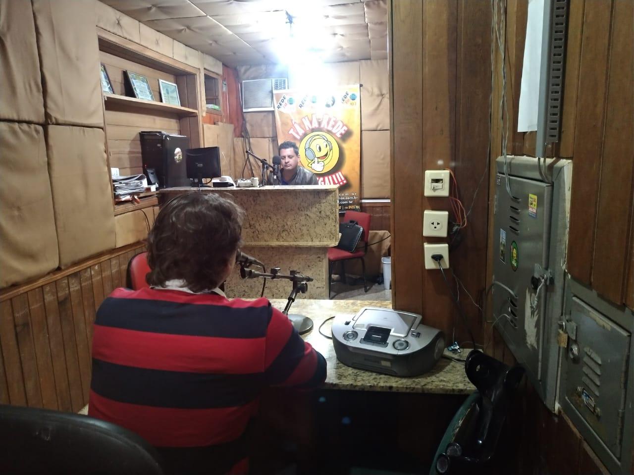 Entrevista para a Rádio 101,9 FM de Paranavaí.