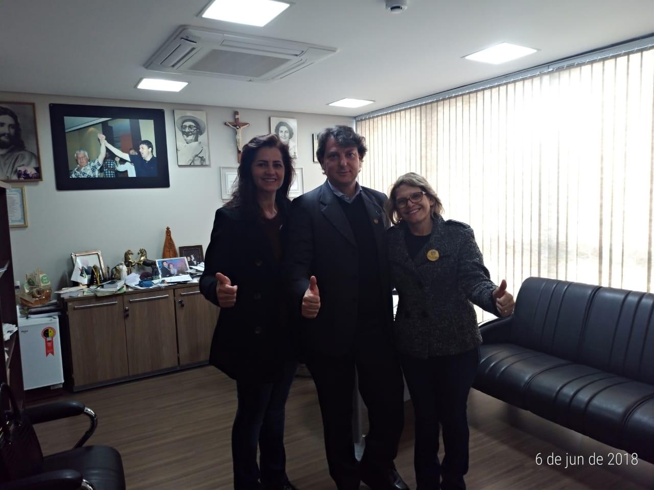 Anibelli Neto recebe a visita das vereadoras do MDB de Tuneiras do Oeste
