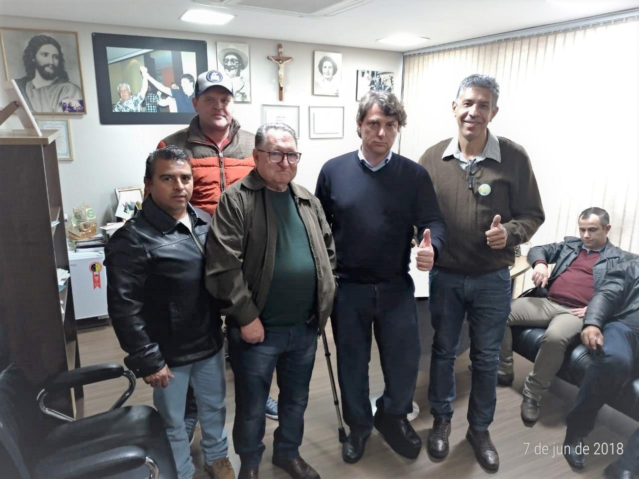 Visita dos amigos de Cerro Azul