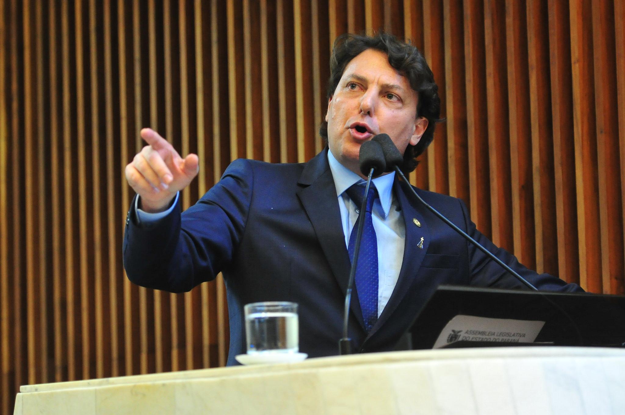 Anibelli critica retirada do projeto que reajustava salário do funcionalismo