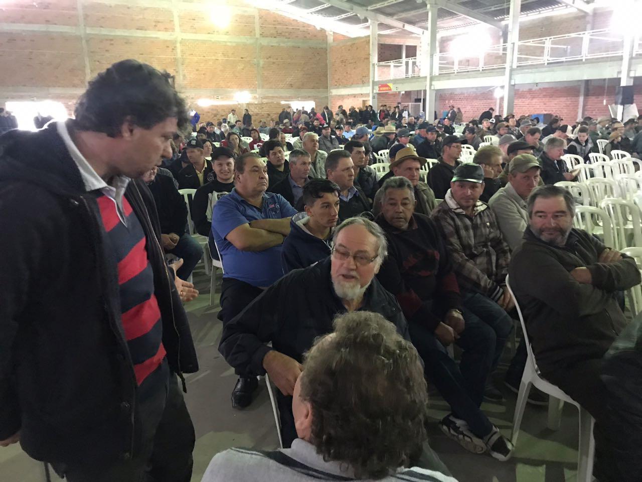 Anibelli Neto participa da 26ª Festa do Produtor Rural em Piên.
