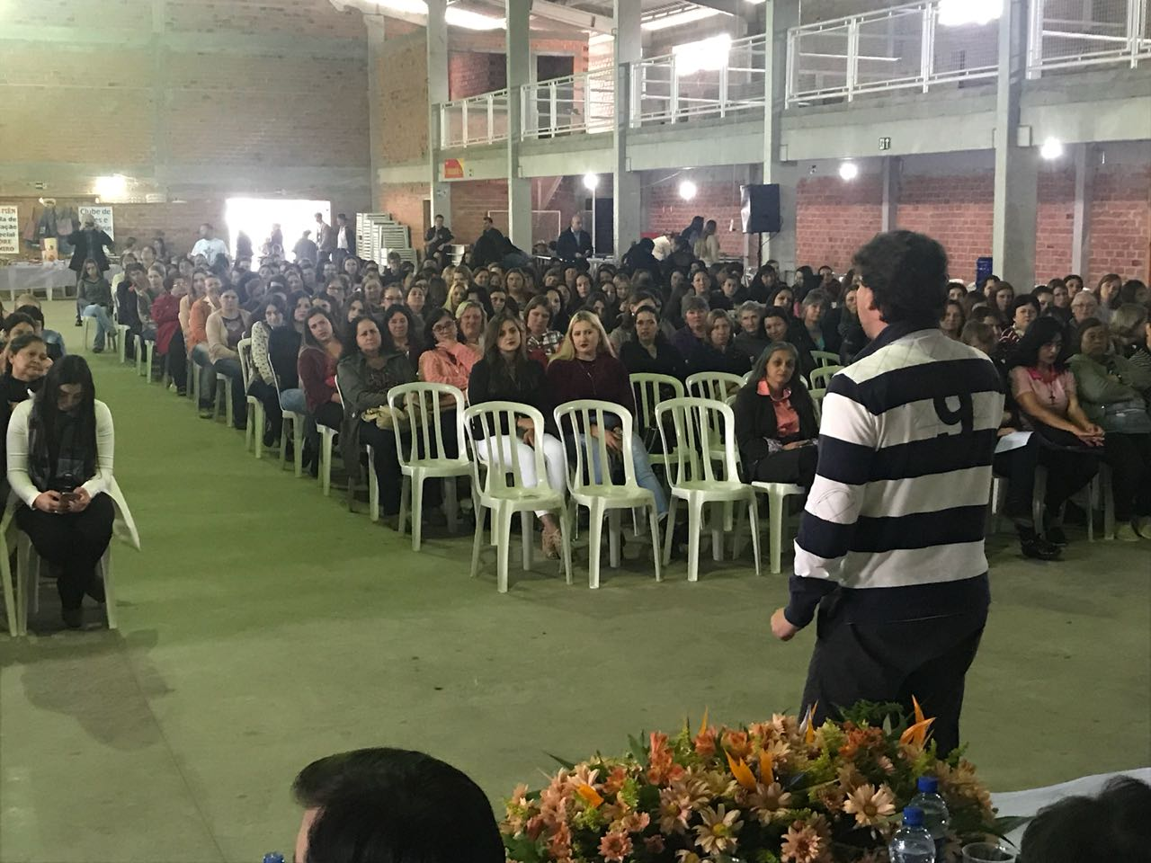 Anibelli Neto participa do Encontro de Produtoras Rurais no município de Piên.