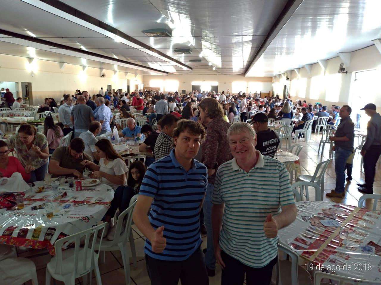 Anibelli Neto na Festa do Carneiro com Vinho em Peabiru