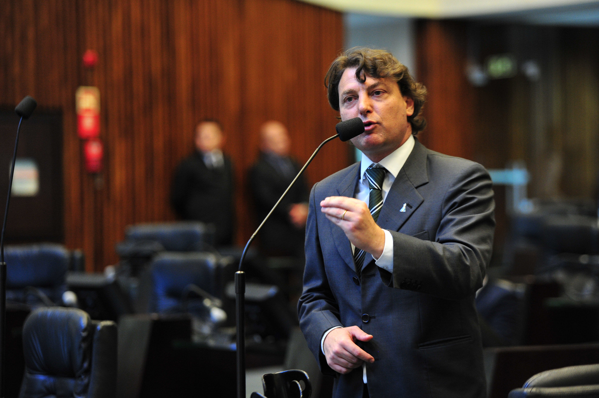 Assembleia Legislativa aprova projeto de lei do deputado Anibelli Neto que prevê campanhas informativas contra o câncer de pele nos cinemas