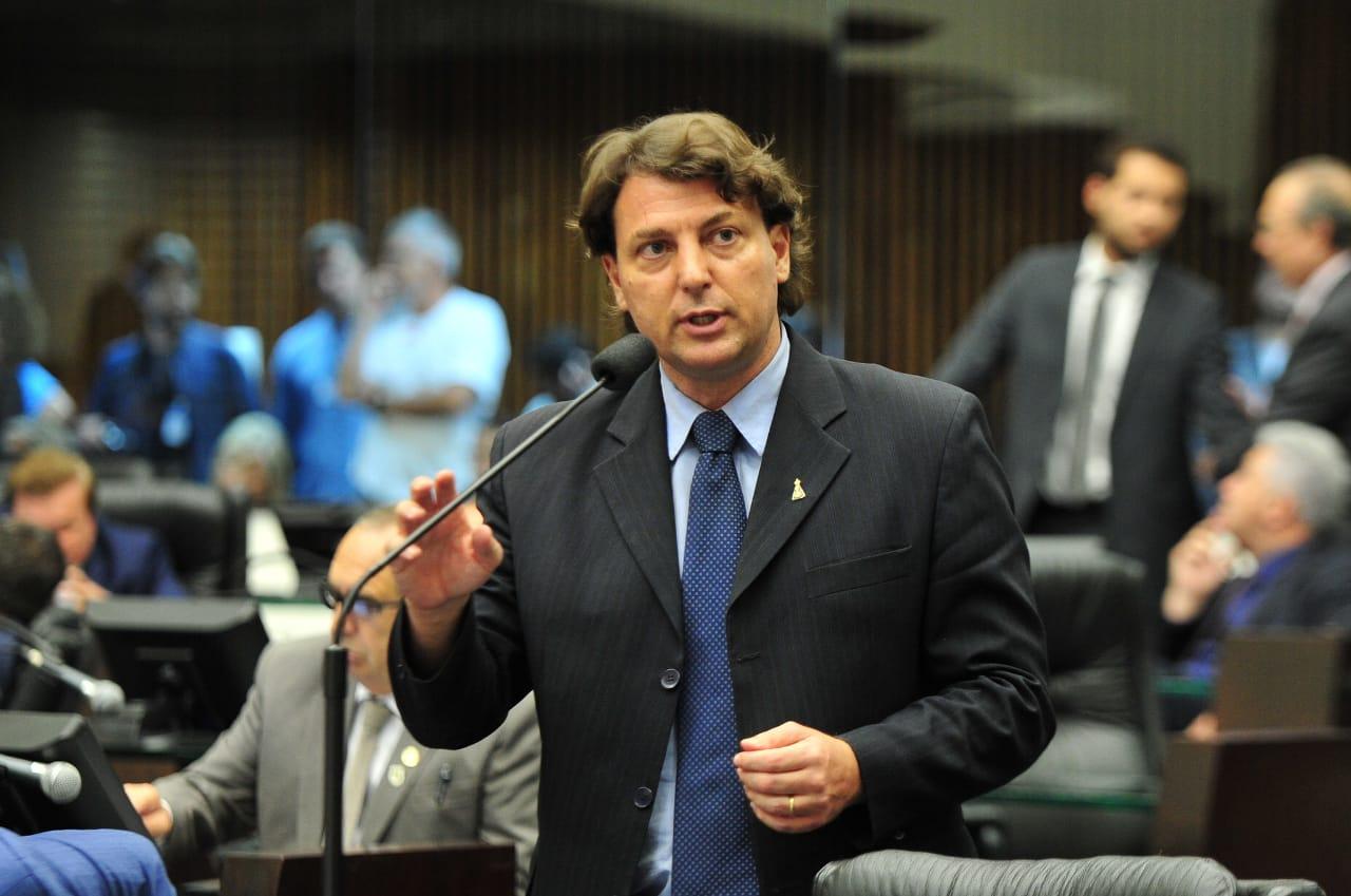 Anibelli homenageia pioneiro da região Noroeste do Paraná