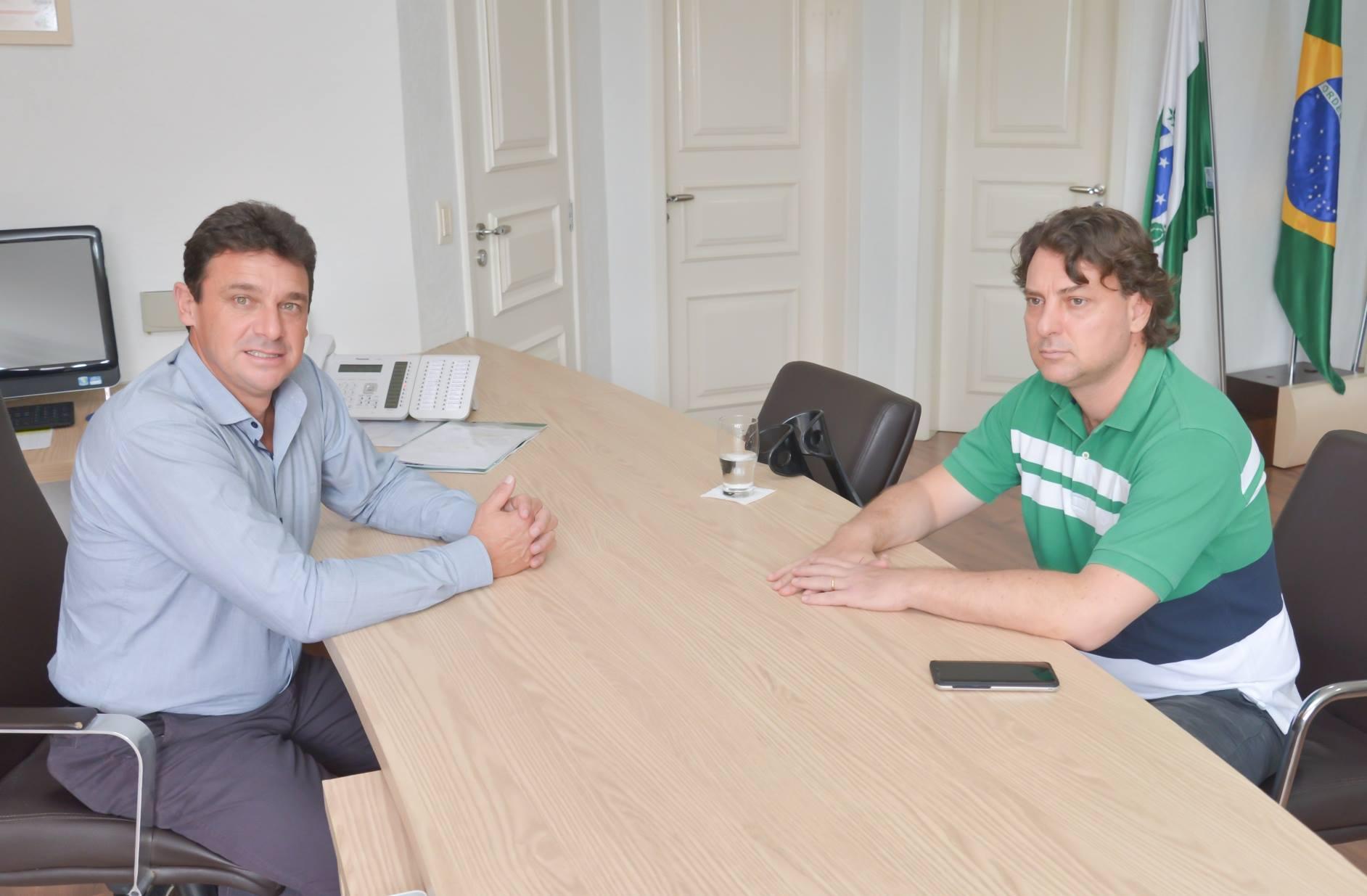 Anibelli Neto e o prefeito Lara discutem apoio para a Agricultura em Quatro Barras