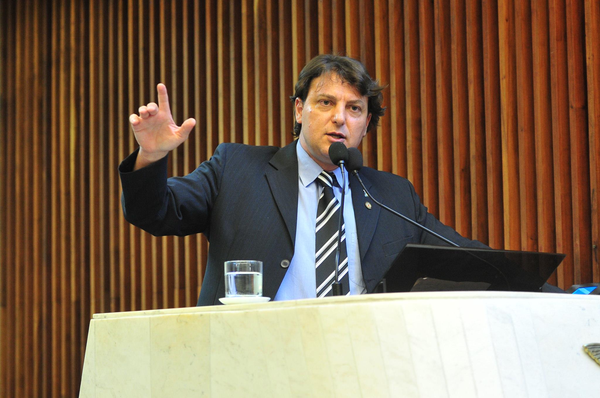Anibelli Neto cumprimenta nova diretoria do Conselho Regional de Medicina Veterinária