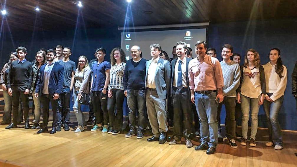 Anibelli Neto participa na PUCPR de debate sobre os desafios do Movimento Estudantil