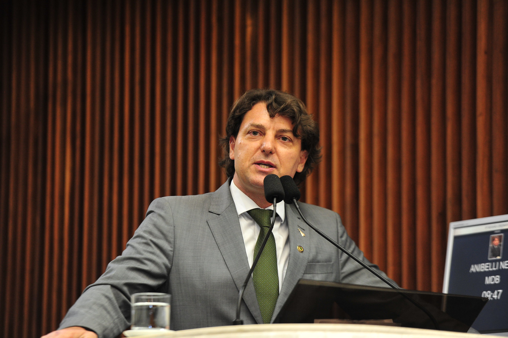 Anibelli Neto defende o Paraná livre da aftosa sem vacinação