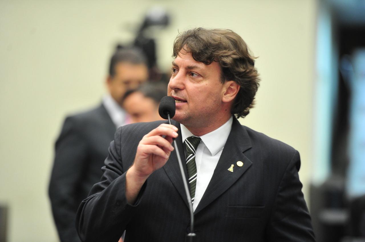 Assembleia aprova PEC de Anibelli Neto que permite consórcios de municípios