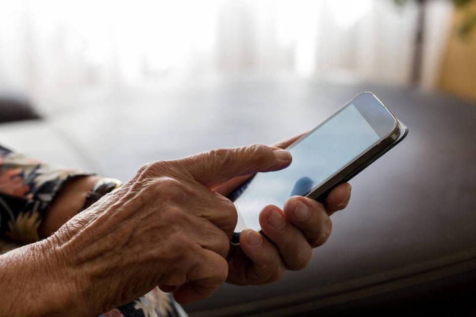 Denúncia de violência contra idoso poderá ser feita via WhatsApp