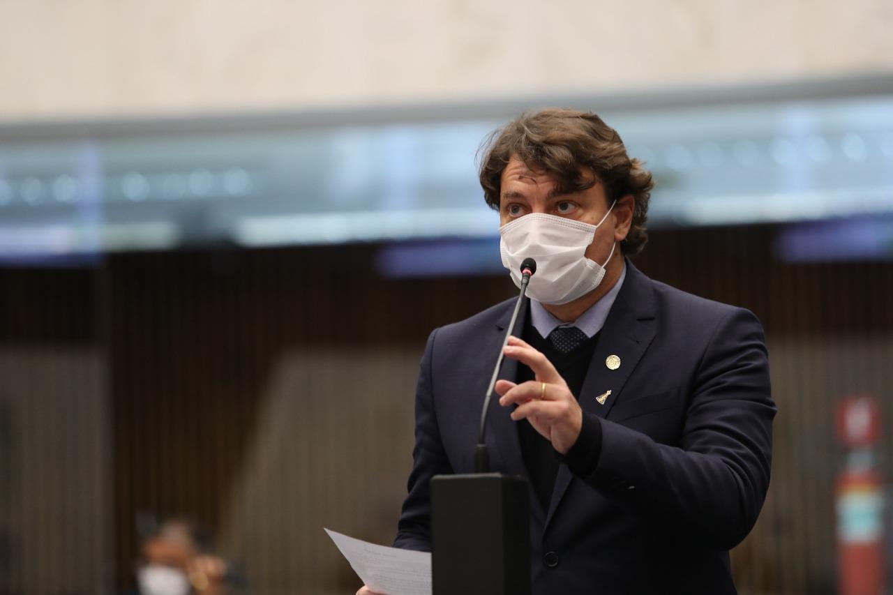 Assembleia aprova projeto de Anibelli Neto que cria o Dia Estadual da Saúde Única