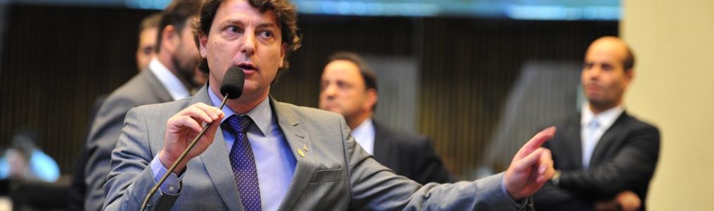 Anibelli questiona contratação de empresa de software em detrimento da Celepar