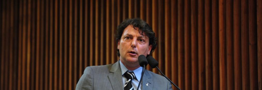 Petrobras e Sanepar devem ser administradas com foco nos interesses da população, destaca Anibelli Neto