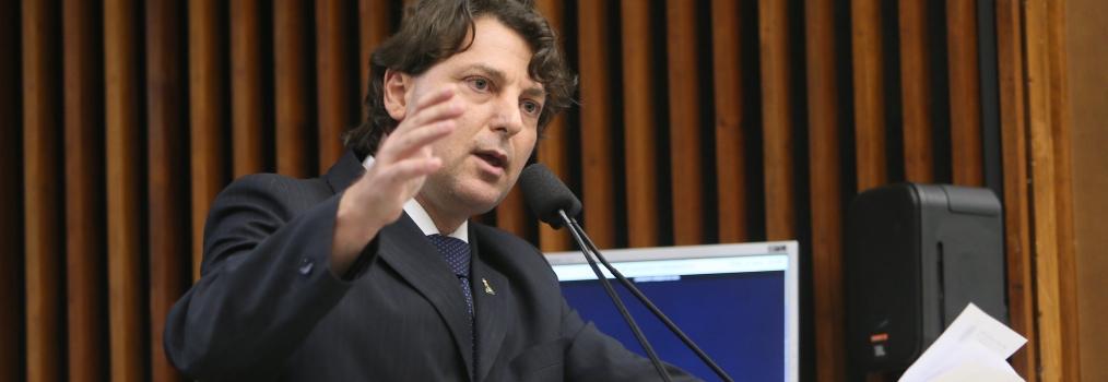 Anibelli Neto sai em defesa dos auditores fiscais do Paraná