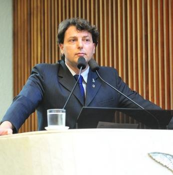 Anibelli faz balanço dos oito anos do governo Richa no Paraná
