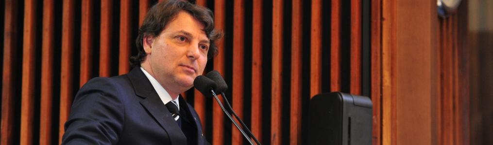 Sanepar aumentou gastos com a própria diretoria em 244% entre 2010 e 2017, diz Anibelli Neto