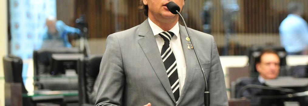 Anibelli Neto apresenta emenda ao projeto de escolas cívico-militares