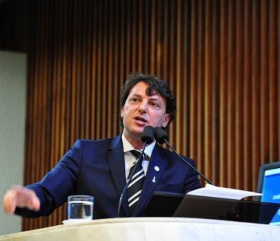 Anibelli critica Copel por falhas no fornecimento de energia elétrica na região noroeste