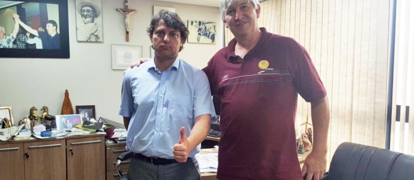 Prefeito Kurt de Porto Vitoria visita Anibelli Neto.