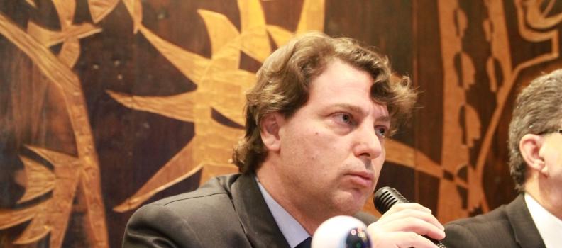 Para garantir os direitos de mais 600 mil micros e pequenos empresários do Paraná conquistados no governo do PMDB, o deputado estadual Anibelli Neto apresenta emenda ao projeto de lei nº 557/2017.