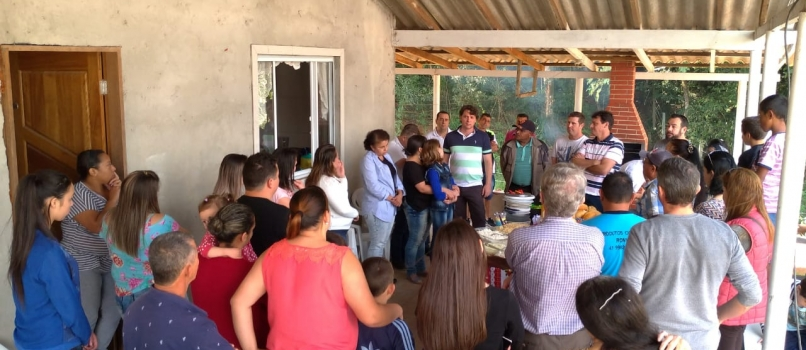 Anibelli visita amigos em Quatro Barras