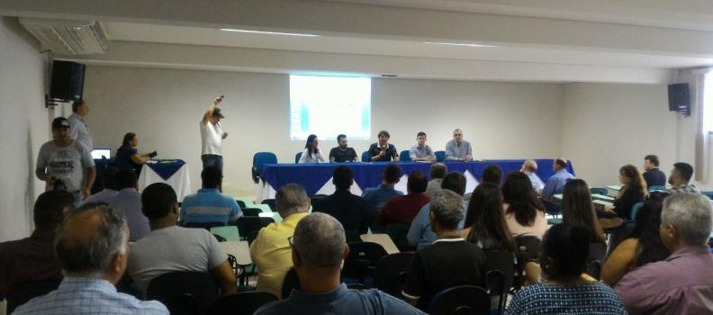 Anibelli Neto esclarece vantagens da criação da Região Metropolitana de Paranavaí em Audiência Publica com 17 prefeitos e representantes de municípios da região.