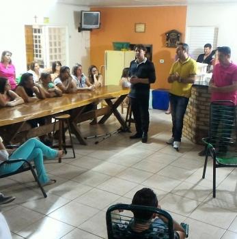 Anibelli Neto participa na reunião Cidade de Floraí.
