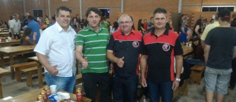 Anibelli Neto participou do encontro do Grupo de motociclistas Trilheiros de Piên.