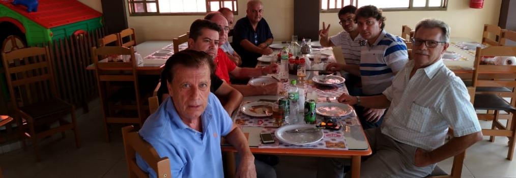 Almoçando com os companheiros do MDB de Cornélio Procópio.