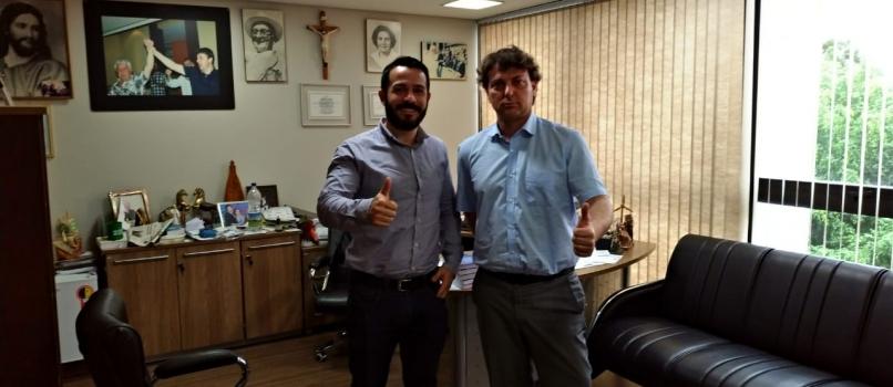 Anibelli Neto recebe a visita do vereador Claudio de Santo Antônio do Sudoeste.