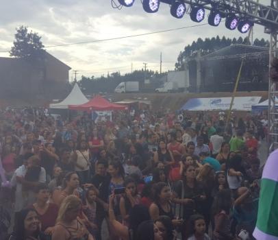 Anibelli Neto participa da 1º Festa do Trabalhador em Quatro Barras.