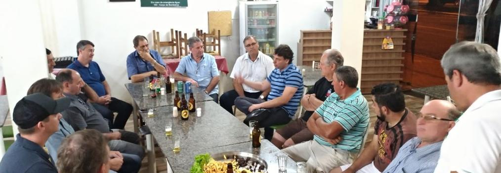 Anibelli Neto participa da reunião do MDB do município de Marmeleiro.