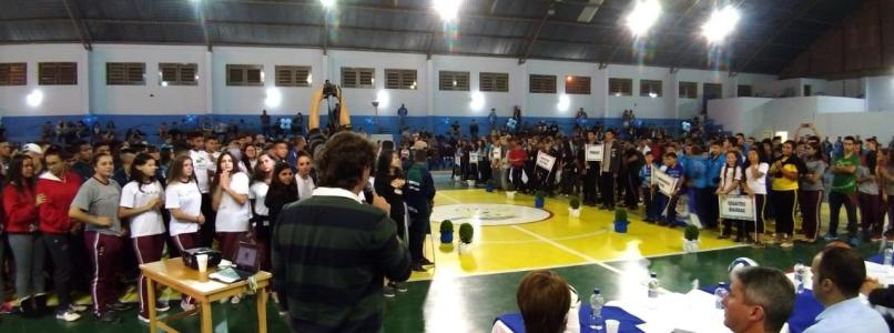 Deputado Anibelli Neto participa da Abertura dos Jogos Escolares do Paraná de 2018 em Quatro Barras.