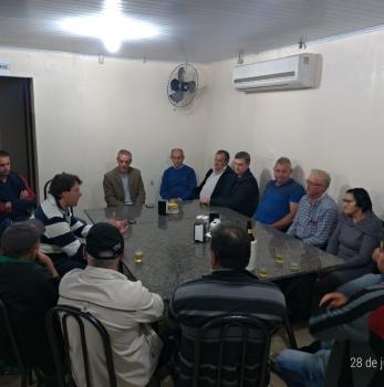 Anibelli Neto visita os companheiros de Enéas Marques.