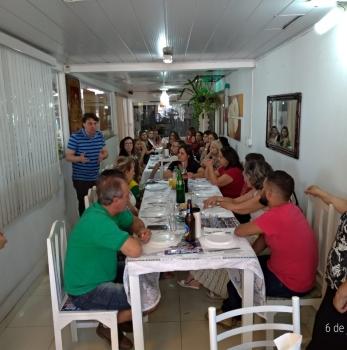 Anibelli Neto participou de uma reunião com educadores em Paranavaí