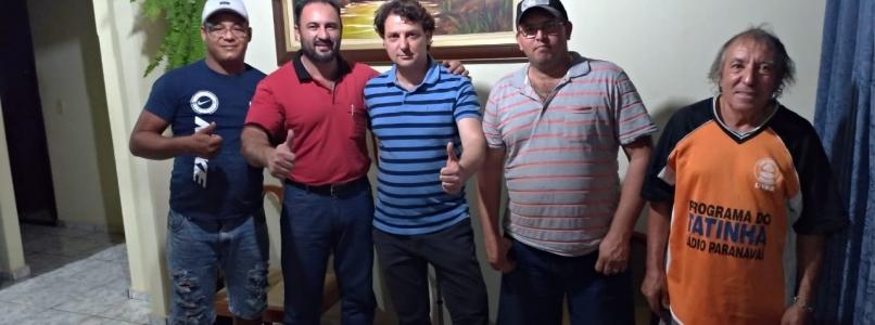 Anibelli Neto visita amigos em Tamboara