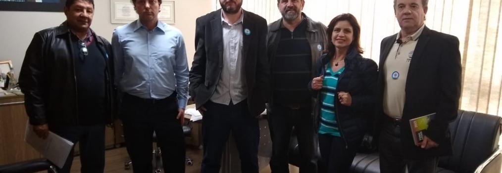 Deputado Anibelli Neto recebe representantes dos Sindicatos dos docentes do Paraná.